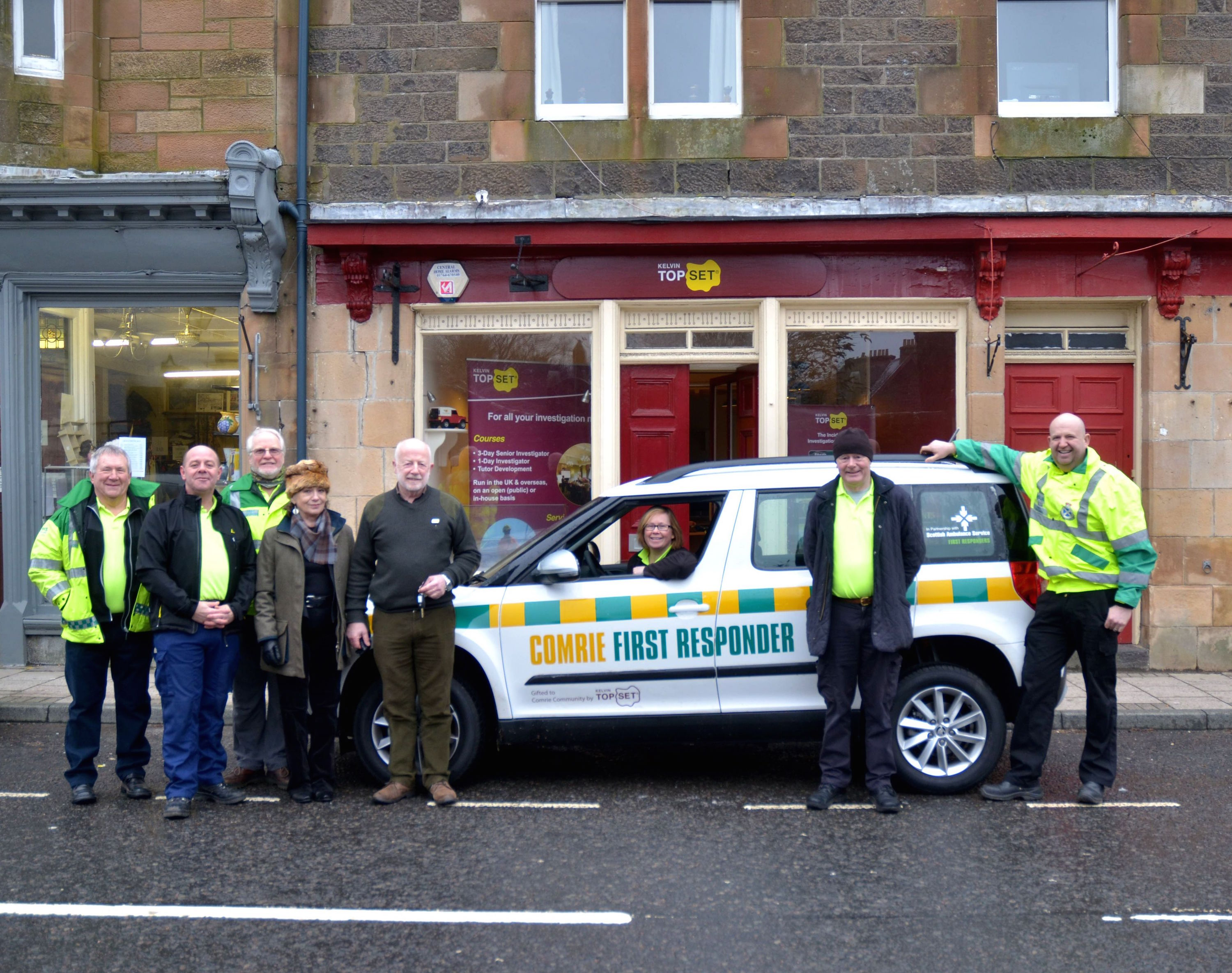 Members of the Comrie First response team Ken Heiser, Alan Moffat, John King, Eileen Laycock, Muir Hunter and Andrew Laycock were deligted to receive the donation of a new 4x4 from Lorna and David Ramsay of Kelvin TOP-SET